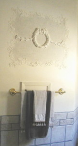 Plaster Mold Antique Wreath Wall Design