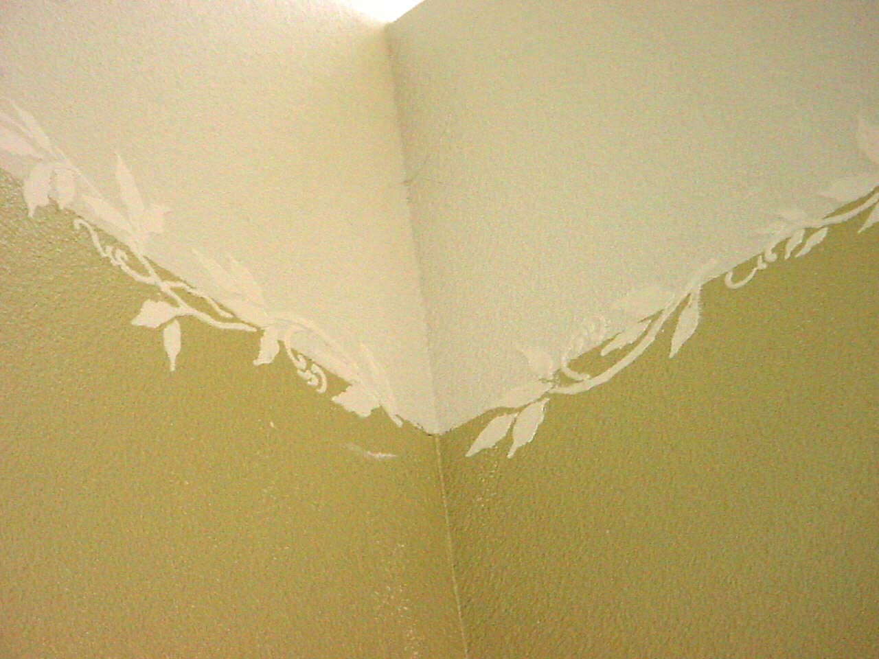 plaster_stencil_vine_wall Painting Ideas For Kitchen Walls on ideas for painting cabinets, ideas for painting home, ideas for painting hallways, ideas for painting table tops, ideas for painting windows, paints colors kitchen walls, painting your kitchen walls, blue paint for kitchen walls, ideas for painting fireplaces, ideas for painting ceilings,