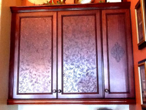 Plaster_Stencils_on_Cabinets-600