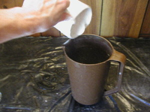 Pour plaster of paris in to water