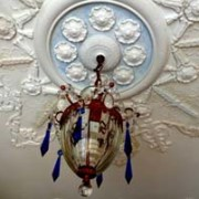 decorating_ideas_catherine_mccune_medallion_s