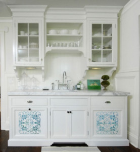 stenciled_cabinet_5