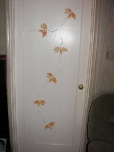 Twig stencil on door